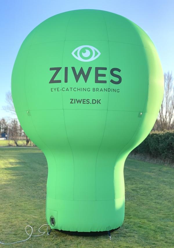 4 m høj ballon med logo_ziwes eye-catching