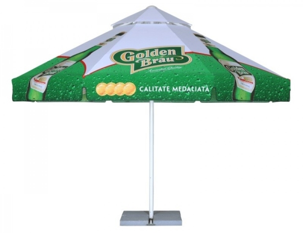 Parasol med logo_Golden Brau_Ziwes Eye-Catching